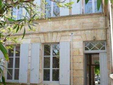 FOURAS LES BAINS - centre-bourg : Immeuble de logements en cours de réhabilitation suite à une mission d'assistance